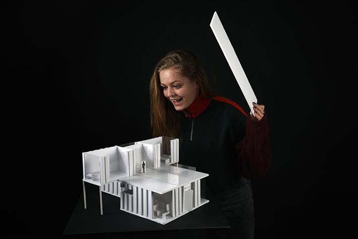 Lara WEILER